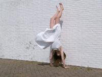 Handstand, 1992